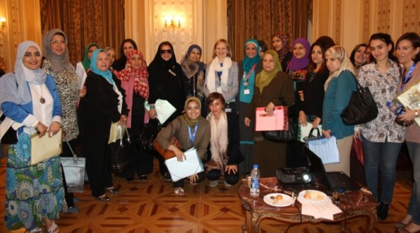 Franziska Brantner in the Egyptian Parliament with the participants of the training on women's committees.