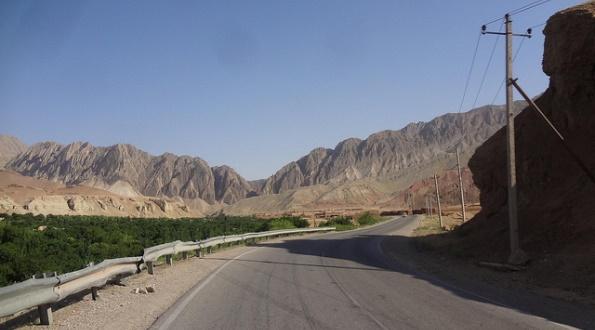 Road from Puli Khomri to Mazari Sharif, Afghanistan