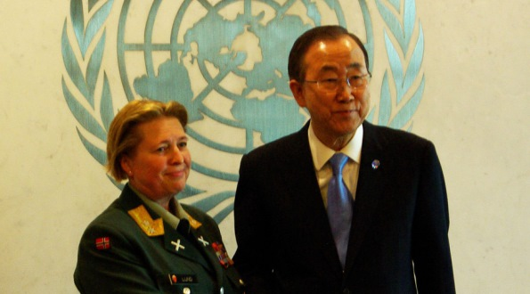 MG Kristin Lund with Secretary General Mr. Ban Ki-moon.